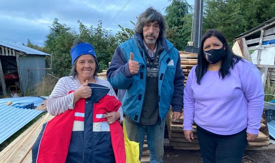 Ropa de abrigo donada por Finning y Martin G continúa entregándose a las familias de los niños, niñas y adolescentes de Fundación Tierra de Esperanza.