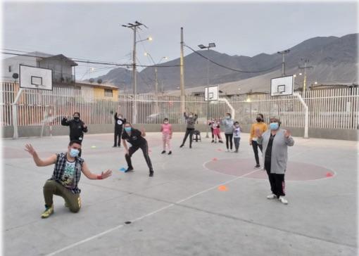 Familias de programa Afectosde Antofagasta se activaron con Zumba.
