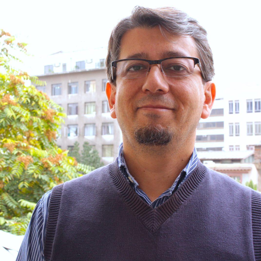 """Rafael Mella, director ejecutivo de Fundación Tierra de Esperanza: """"ponemos el foco en cómo nosotros mejoramos día a día respecto de nuestras responsabilidades, a la luz de nuestra misión institucional""""."""
